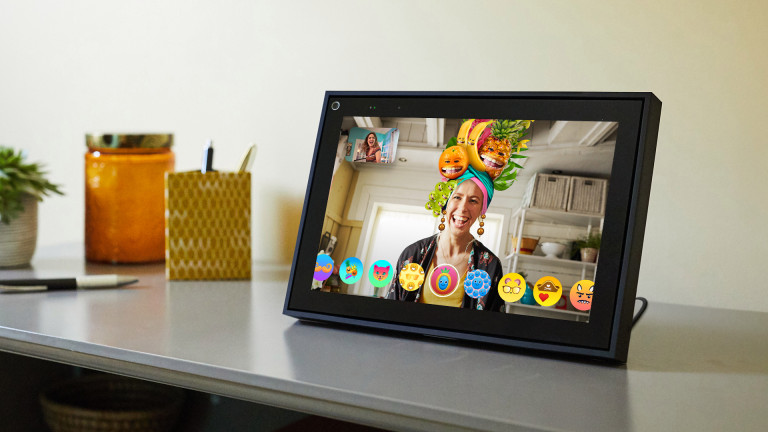 Facebook's Portal is one of the best device to buy seniors